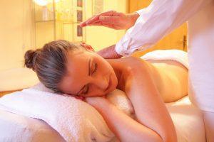 spa-therapist-wellness-massage-relax-relaxing-course-raycochrane-london
